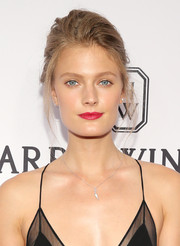 Constance Jablonski wore a messy updo (and still looked gorgeous) at the amfAR Inspiration Gala.
