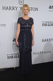 Sandra Lee chose a tiered midnight-blue gown with beaded piping for her amfAR New York Gala look.
