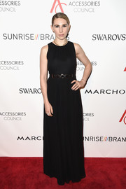 Zosia Mamet was classic and elegant at the 2016 ACE Awards in a sleeveless black gown with an embellished waist.