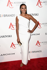 Selita Ebanks chose a sleek white one-shoulder gown by Toni Maticevski for the 2016 ACE Awards.