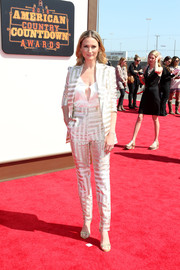 Jennifer Nettles made a cool choice with this metallic, geometric-patterned pantsuit by Genny for the American Country Countdown Awards.
