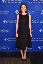 Ellie Kemper attended the 2016 American Museum of Natural History Gala wearing a classic little black dress.