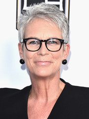 Jamie Lee Curtis rocked a salt-and-pepper pixie at the 2016 Once Upon a Time Gala.