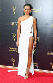 Melanie Brown looked extra racy at the 2016 Creative Arts Emmy Awards in a white Celia Kritharioti one-shoulder gown with an exposed side.