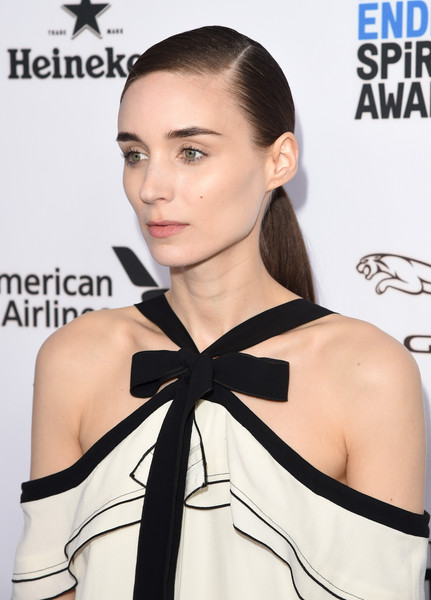 More Pics of Rooney Mara Suede Clutch (1 of 12) - Rooney Mara Lookbook - StyleBistro [hair,hairstyle,shoulder,beauty,eyebrow,skin,neck,fashion model,fashion,lip,arrivals,nominees,rooney mara,west hollywood,california,boa steakhouse,brunch,film independent filmmaker grant and spirit award,2016 film independent filmmaker grant and spirit award]