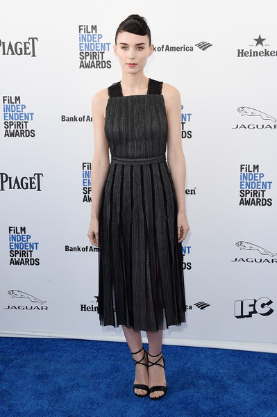 Rooney Mara stuck to her goth-chic style with this gray and black apron dress by Boss when she attended the Film Independent Spirit Awards.