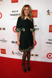 Julia Roberts looked darling in a collared, floral-embroidered Gucci dress at the 2016 GLSEN Respect Awards.