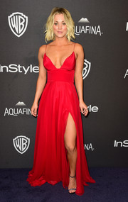 Kaley Cuoco looked stunning in a bright red Christian Siriano gown with a thigh-high slit at the 2016 Golden Globes after parties.