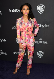 Yara Shahidi suited up so sweetly in this floral jacket and pants combo for the InStyle and Warner Bros. Golden Globes post-party.