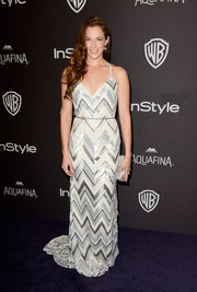 Amanda Righetti made a chic choice with this zigzag-sequined gown for the InStyle and Warner Bros. Golden Globes post-party.