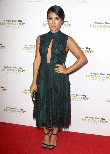 Chrissie Fit donned an embellished green dress with a daring keyhole cutout for the 2016 Latinos de Hoy Awards.