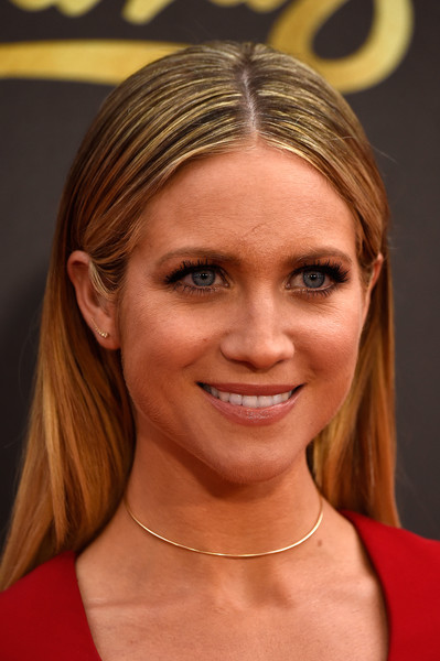 Brittany Snow went for a low-key center-parted style when she attended the MTV Movie Awards.