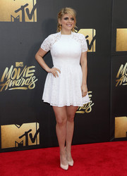 Molly Tarlov was a cutie in her little white lace dress at the MTV Movie Awards.