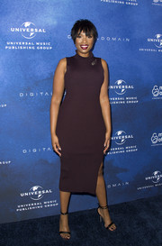 Jennifer Hudson paired her dress with elegant strappy sandals.