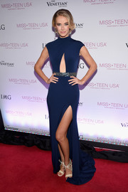 Olivia Jordan was trendy and glam in a navy cutout gown with a high side slit at the 2016 Miss Teen USA competition.