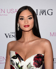Pia Wurtzbach attended the 2016 Miss Teen USA competition wearing a perfectly sleek 'do.