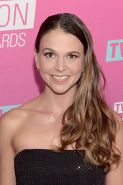 Sutton Foster went glam with this curly side sweep for the TV Land Icon Awards.