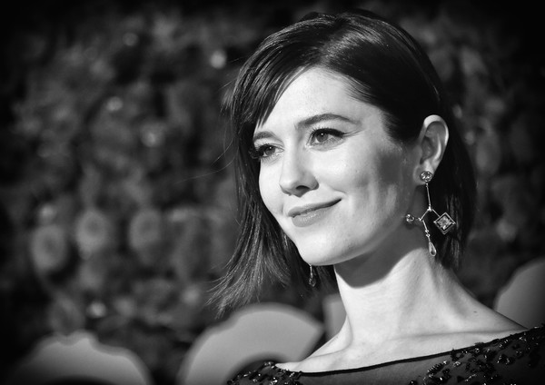 Mary Elizabeth Winstead kept it classic with this bob at the 2016 Tony Awards.