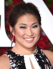 Jenna Ushkowitz opted for a messy updo when she attended the 2016 Tony Awards.