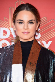 Jojo went casual with this center-parted ponytail during VH1's Divas Holiday: Unsilent Night.