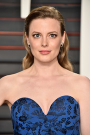 Gillian Jacobs sweetened up her look with this long wavy 'do for the Vanity Fair Oscar party.