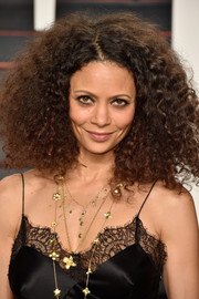Thandie Newton kept it natural with this voluminous 'do at the Vanity Fair Oscar party.