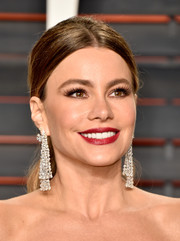 Sofia Vergara made an ultra-luxe statement with these diamond mesh earrings by Lorraine Schwartz at the Vanity Fair Oscar party.