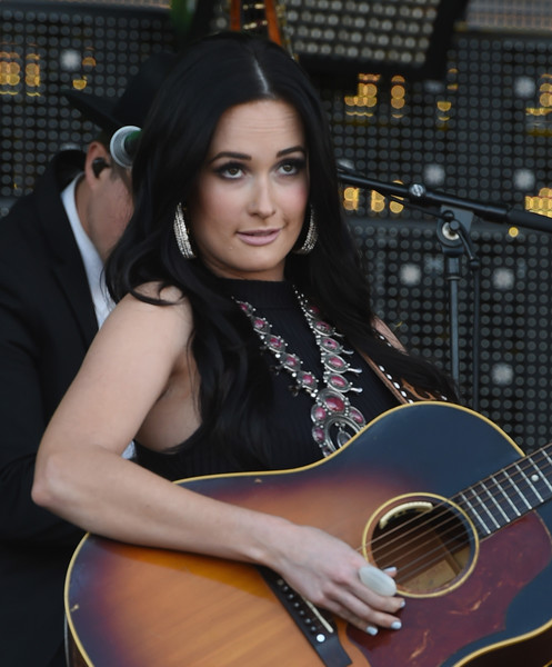 More Pics of Kacey Musgraves Crop Top (6 of 30) - Tops Lookbook - StyleBistro [kacey musgraves,string instrument,guitar,acoustic guitar,musical instrument,plucked string instruments,musician,beauty,guitarist,music artist,windy city lakeshake country music festival,chicago,illinois,firstmerit bank pavilion,northerly island]