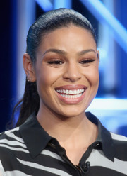 Jordin Sparks wore her hair in a slicked-back ponytail at the Winter TCA Tour.