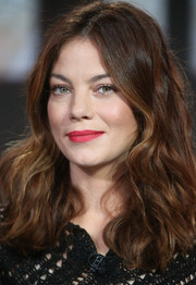 Michelle Monaghan looked chic with beachy waves at the Winter TCA Tour.