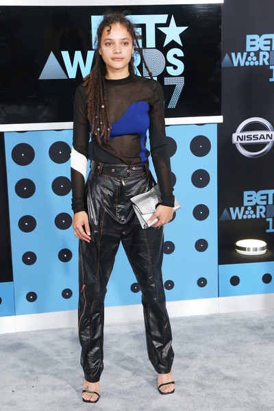 More Pics of Sasha Lane Envelope Clutch  (1 of 5) - Sasha Lane Lookbook - StyleBistro [clothing,fashion,fashion design,carpet,footwear,fashion show,event,performance,flooring,style,bet awards,sasha lane,microsoft square,los angeles,california,arrivals]