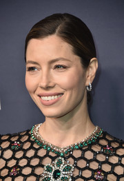 Jessica Biel showed off an elegant pair of diamond hoops by Tiffany & Co. at the 2017 Baby2Baby Gala.