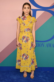 Rowan Blanchard matched her dress with a pair of mustard sandals by Jimmy Choo.