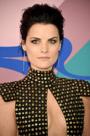 Jaimie Alexander rocked a messy pompadour at the 2017 CFDA Fashion Awards.