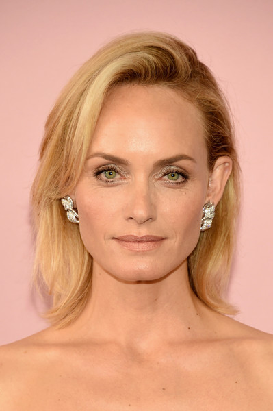 Amber Valletta kept it timeless with this perfectly styled bob at the 2017 CFDA Fashion Awards.