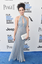 Jenny Slate looked summery in a pleated blue keyhole-cutout gown by Luisa Beccaria at the 2017 Film Independent Spirit Awards.
