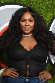 Lizzo opted for a neutral mani when she attended the 2017 GQ Men of the Year party.
