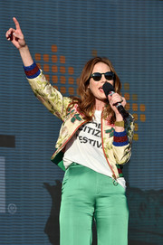Michelle Monaghan spoke onstage at the 2017 Global Citizen Festival wearing a cool pair of round shades.