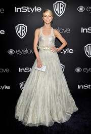 Julianne Hough rounded out her dreamy look with a shimmering ball skirt, also by Jenny Packham.