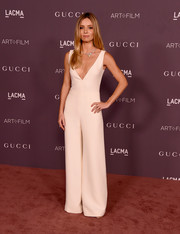 Annabelle Wallis was minimalist-chic in a plunging cream jumpsuit by Dior at the 2017 LACMA Art + Film Gala.