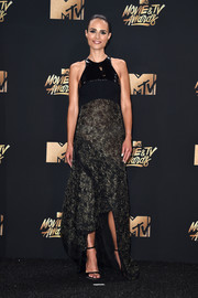 Jordana Brewster was edgy-glam in a mixed-media, high-low gown by Antonio Berardi that she paired with Alexis Bittar earrings at the 2017 MTV Movie and TV Awards.