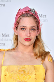 Jemima Kirke went for some vintage elegance with this bejeweled pink veil at the 2017 Metropolitan Opera opening night.