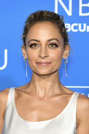 Nicole Richie styled her hair into a slightly messy updo for the 2017 NBCUniversal Upfront.