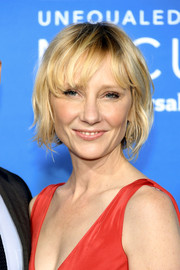 Anne Heche looked youthful wearing this short wavy 'do at the 2017 NBCUniversal Upfront.