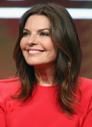 Sela Ward was stylish and trendy with her layered cut at the 2017 Summer TCA Tour.