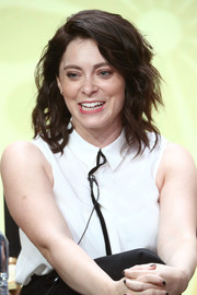 Rachel Bloom looked stylish with her tousled waves at the 2017 Summer TCA Tour.