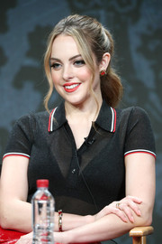 Elizabeth Gillies looked youthful and pretty with her wavy ponytail at the 2017 Summer TCA Tour.