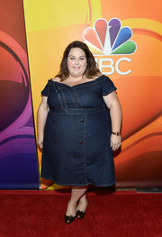 Chrissy Metz made a cute choice with this off-the-shoulder denim dress for the 2017 Summer TCA Tour.