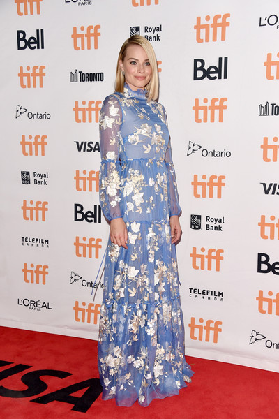 Margot Robbie in Erdem