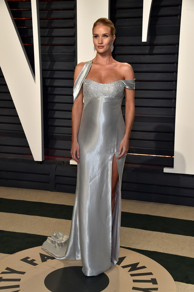 Rosie Huntington-Whiteley in Atelier Versace at the Vanity Fair Oscar Party